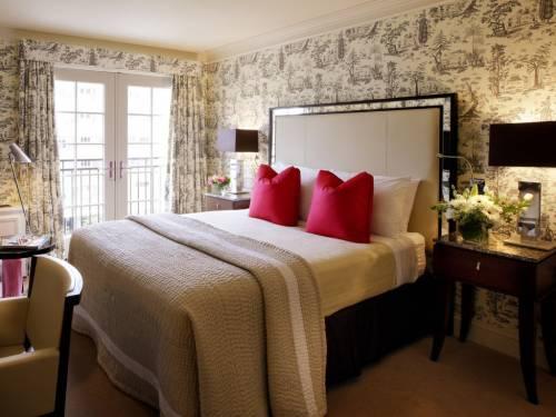дизайн интерьера спальни 14 кв. м.