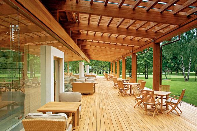 Дизайн террасы дома для постоянного проживания